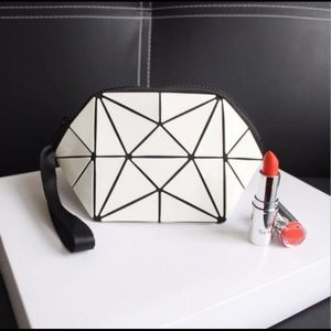 White Geometric Makeup 💄 Pouch